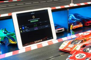 Zeitmessung einer digitalen Carrera-Bahn mit SmartRace (Copyright slotnerd.de)